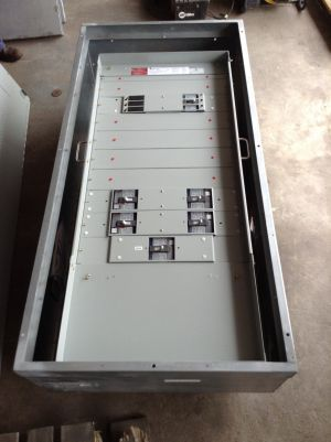 GE Spectra Series Panelboard APNB Bolt-On Style with Breakers